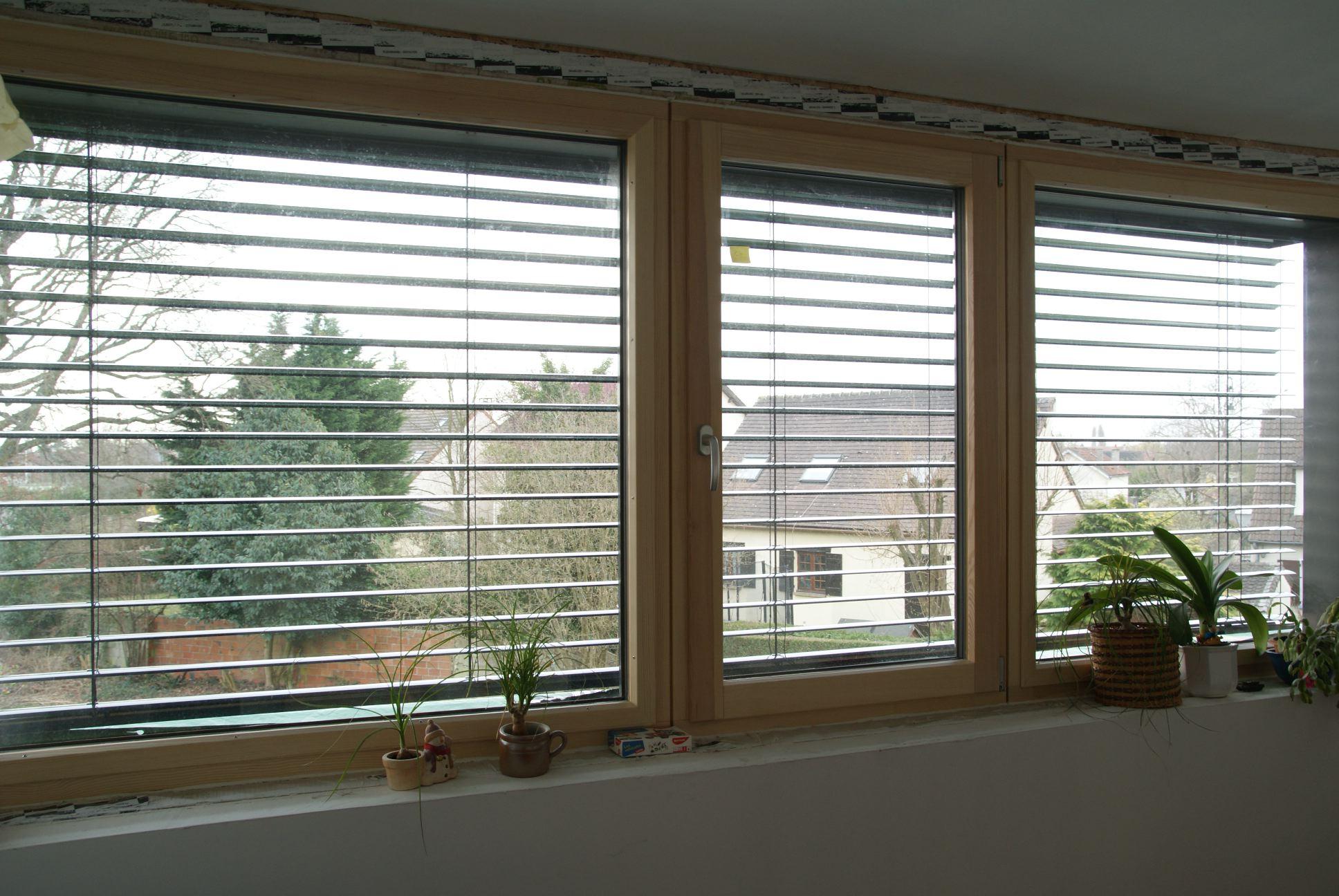 pin brise soleil orientable vue int rieur store v nitien d. Black Bedroom Furniture Sets. Home Design Ideas